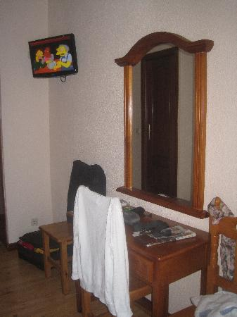 Hostal Zamora: muebles