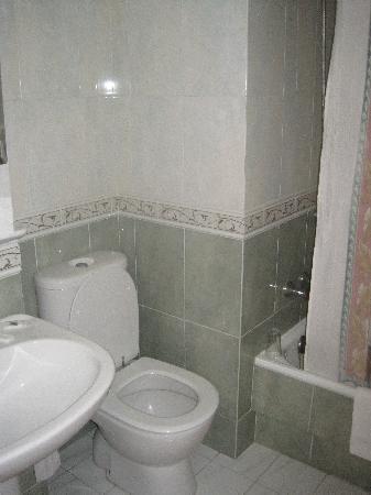 Hotel Cais: baño