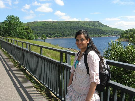 Шеффилд, UK: Lady Bower Reservoir- My daughter