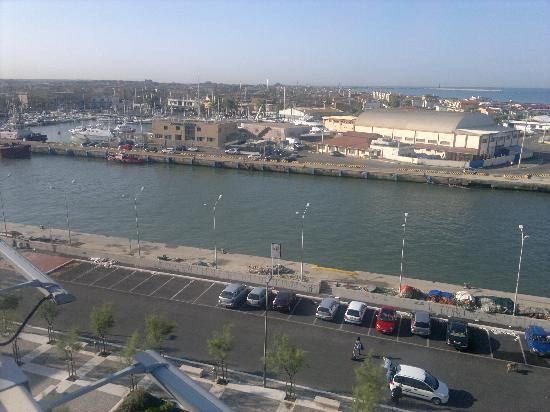 โฮเต็ล ไทเบอร์: vista dalla terrazza 1