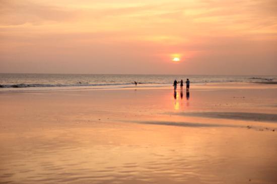 Kumala Hotel: Seminyak beach