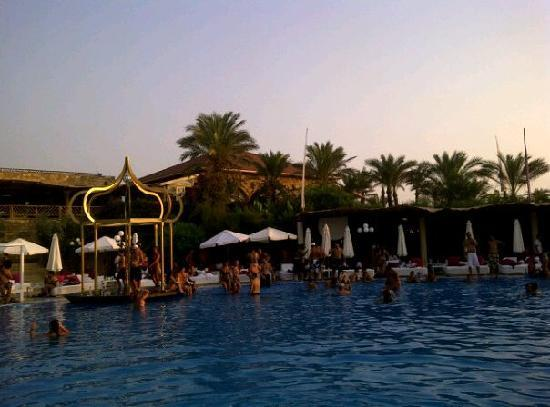Liban: Sunday Beach party @Edde sands