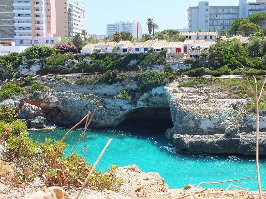 HSM Canarios Park: Walk to the beach