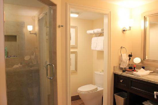 Southernmost Beach Resort: Bathroom