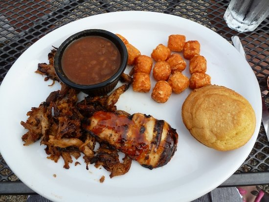 BeachFire Bar & Grille: The pulled pork and chicken breast