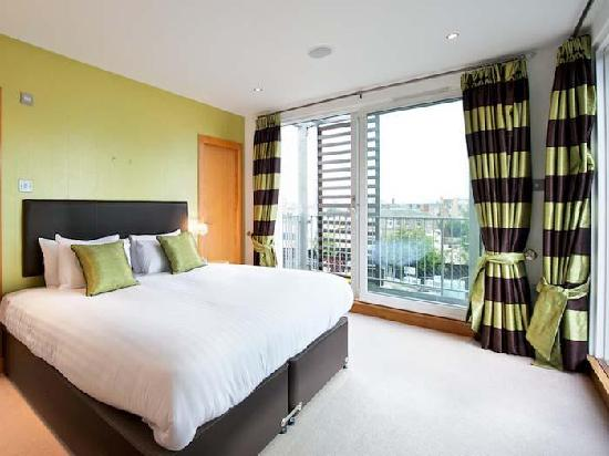 Staycity Aparthotels Leamington Wharf : Double bedroom