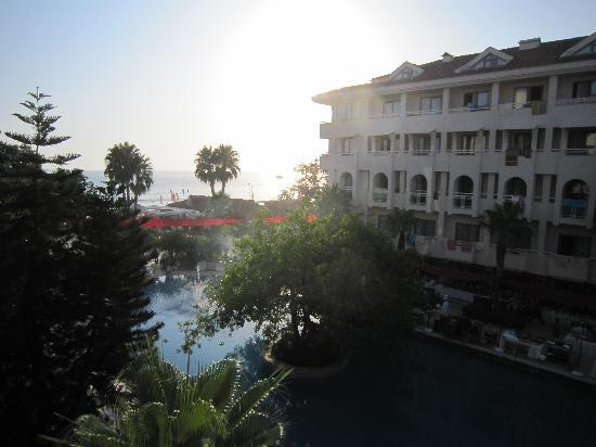 Sun Beach Hotel: Blick aus dem Fenster aufs Meer