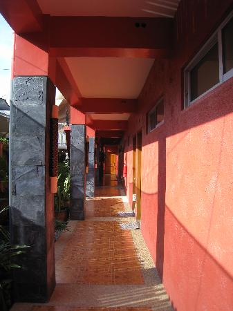 Anisabel Suites: hallway