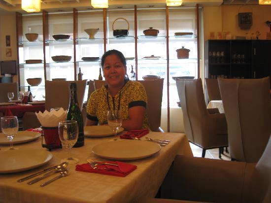 Anisabel Suites: Mamu Restaurant