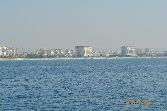 Crowne Plaza Hotel Antalya: the hotel from the sea side in the middle of the sea