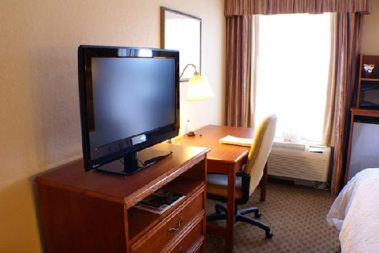 Hampton Inn Port Charlotte / Punta Gorda: New Large Flatscreen TV!