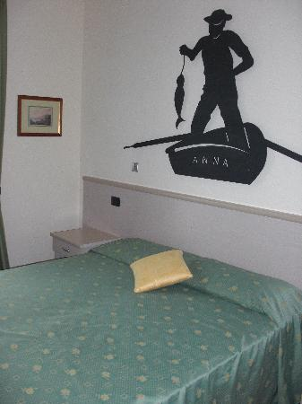 Hotel Fioroni: Our bedroom
