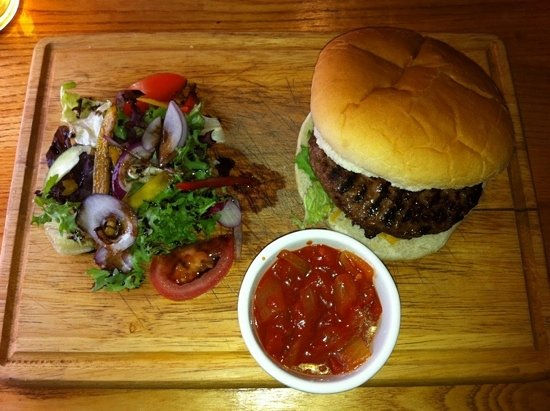 The Globe Inn: The Globe Burger
