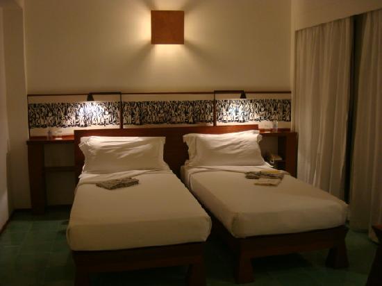Maya Ubud Resort & Spa: room in the main building