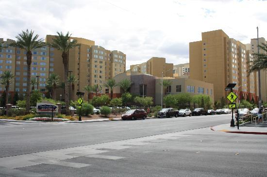 The Grandview at Las Vegas: Ein Großteil der Anlage (links sind noch weitere Gebäude)