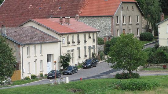 "Vauquois, Francja: Front view of the ""chambre d' hôtes"""
