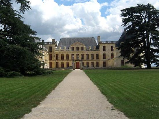 Chateau d'Oiron: View from the main Gate