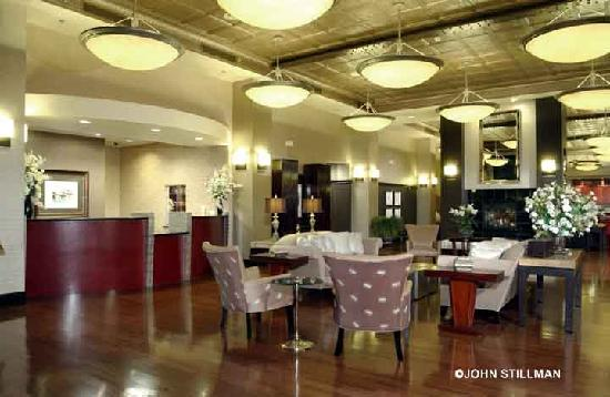 Homewood Suites by Hilton Indianapolis-Downtown: Hotel Lobby