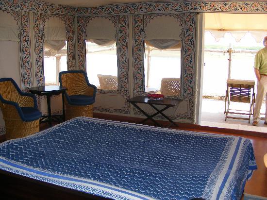 Chhatra Sagar: comfortable ensuite tented bedrooms