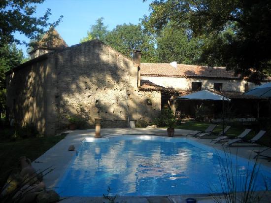 Moulin de Rocquebert: La piscine