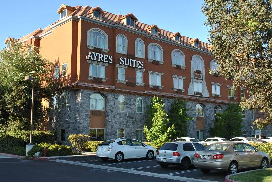 Ayres Suites Yorba Linda First View Impression Inviting
