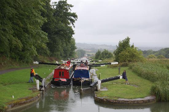 Caen Hill Locks - near the cafe