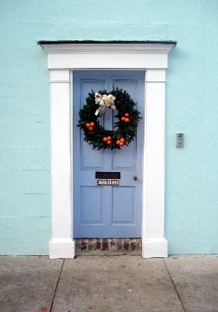 Charleston History Tours: Tradd St door