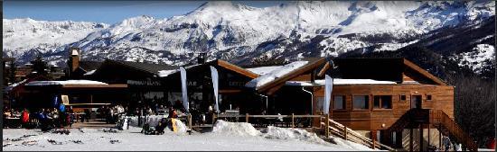Hotel Le Loup Blanc : vue des pistes