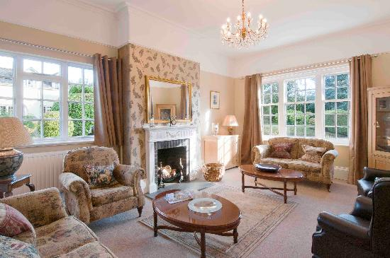 Woodhayes Country House: Guest Drawing Room
