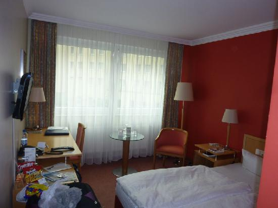 Upstalsboom Hotel Friedrichshain : The room