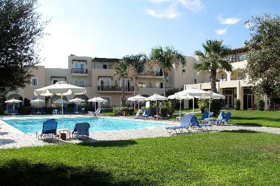 Лаккопетра, Греция: pool