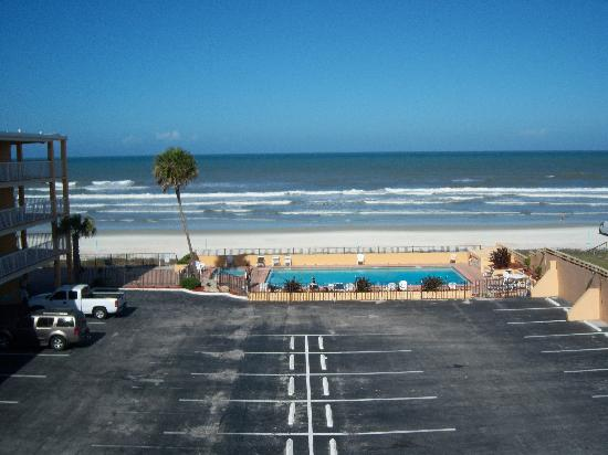 Quality Inn & Suites On The Beach: the see you can see it out off your room