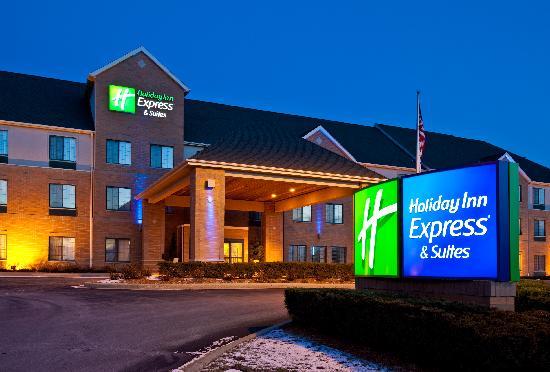 Holiday Inn Express - Pleasant Prairie : Front View