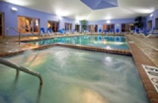 Holiday Inn Express - Pleasant Prairie : Pool