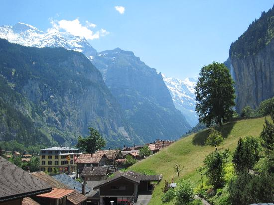 Lauterbrunnen Valley Waterfalls: Valley view from Lauterbrunnen