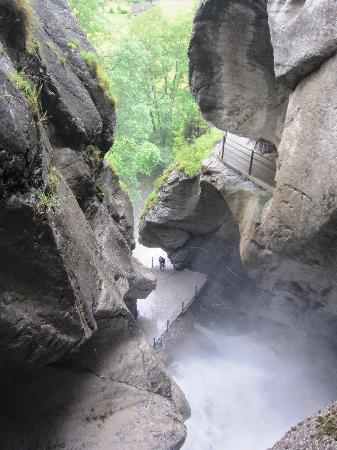 Lauterbrunnen Valley Waterfalls: Trummelbach falls