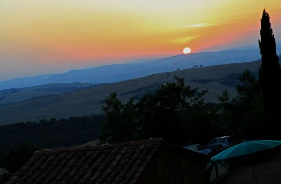 Residenza Il Poggiolo: Sunset taken from my room