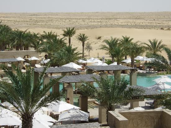 Bab Al Shams Desert Resort & Spa: Pool view from the roof of the bar