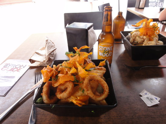 Fishmongers Byron Bay: Those aren't onion rings.  Those are CALAMARI!