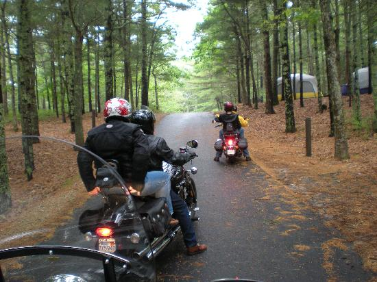 Brewster, Μασαχουσέτη: Bikers' camping weekend in Nickerson