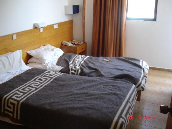 Anixis Apartments: Bedroom