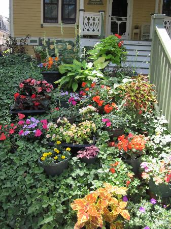 Chautauqua Institution: Pretty Gardens Too