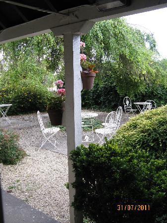 Merrymouth Inn: Garden