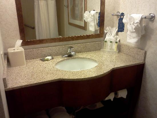Jefferson City, MO: Bathroom vanity
