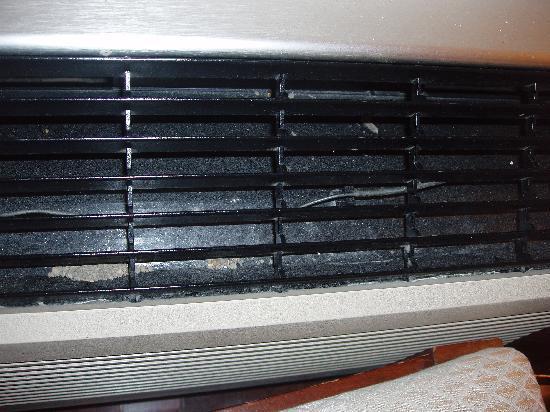 كونتينيتال إن: Dust in the vent
