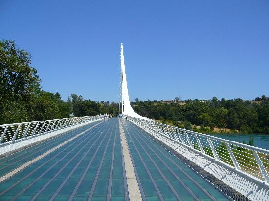 Redding, CA: Sundial bridge