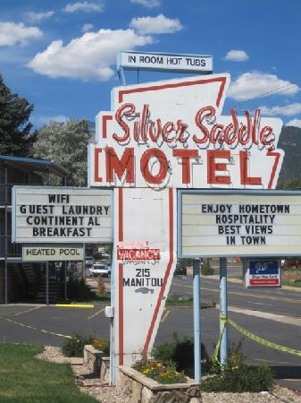 Silver Saddle Motel: vintage sign
