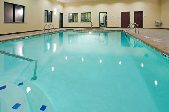 Holiday Inn Express Hotel & Suites Lubbock West: Pool
