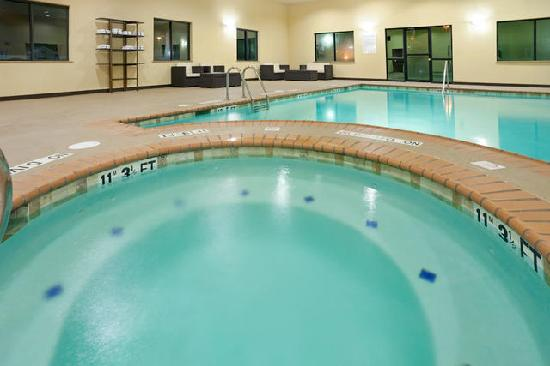 Holiday Inn Express Hotel & Suites Lubbock West : Hot Tub