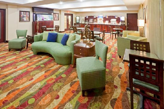Holiday Inn Express Hotel & Suites Lubbock West : Media Area